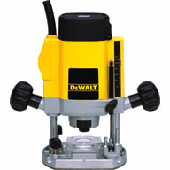 "900 W - ¼"" (6-8 mm) Variable Speed Plunge Router DW615"